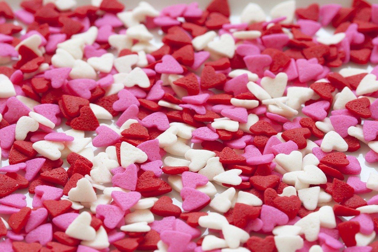 hearts-937664_1280@Karen Arnold - Pixabay